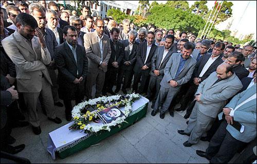 http://img.aftab.cc/news/90/eslami_died.jpg