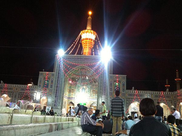 http://img.aftab.cc/news/92/haram_imam_reza.jpg