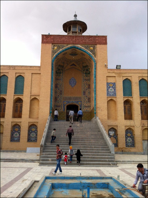 http://img.aftab.cc/news/93/mosque_architecture2.jpg