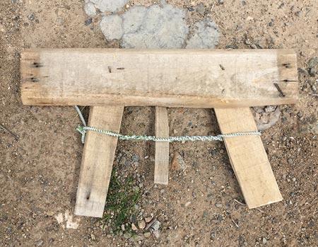 https://img.aftab.cc/news/97/wooden_gun_2.jpg